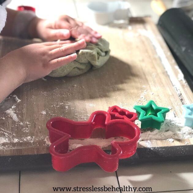 Vegan Sugar Cookie Recipe For Christmas For Kids!! avocado sugar cookies, avocado frosting, strawberry frosting, oat flour cookies