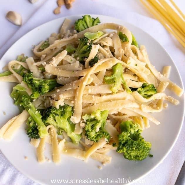 vegan alfredo pasta fettucine with cashew cream alfredo vegan