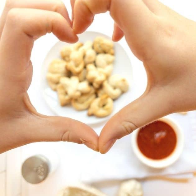 vegan garlic knots kids love